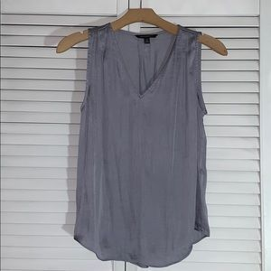 Banana Republic V neck blouse